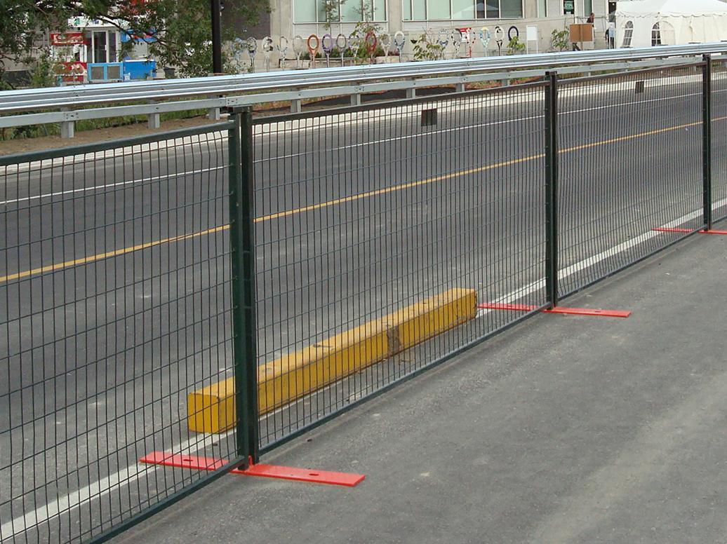 Panneaux de clôture à revêtement en poudre vert de 4 pi
