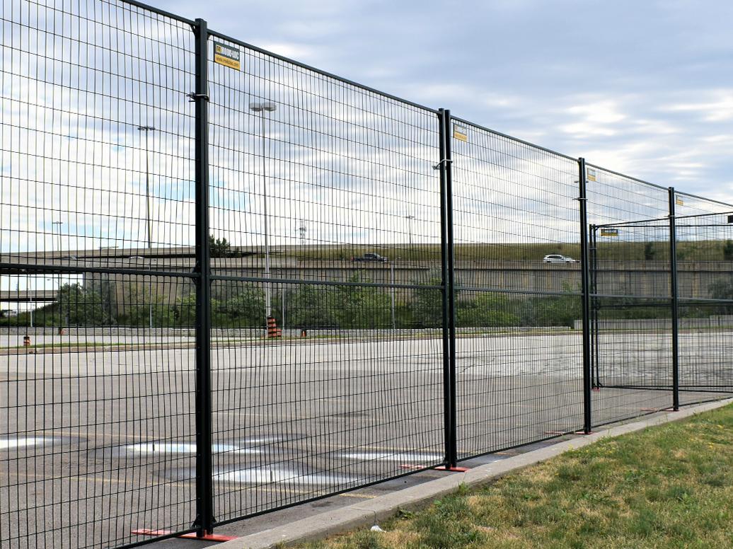 Panneaux de clôture à revêtement en poudre vert de 8 pi